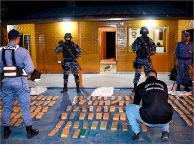 Detuvieron un camión paraguayo con 145 kilos de marihuana en Formosa