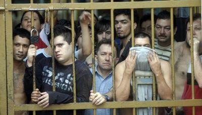 Siguen buscado soluciones al desastre penitenciario