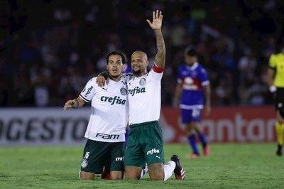 Raúl Bobadilla lanzó una advertencia a Gustavo Gómez y Felipe Melo