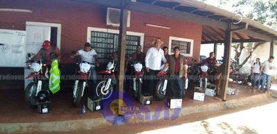10 motocicleta fueron entregados a técnicos de agricultura de Amambay