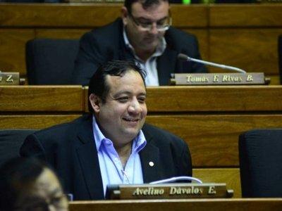 Diputado Avelino Dávalos es favorecido por lentitud fiscal