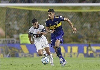 Junior Alonso campeón de la Superliga con Boca Juniors