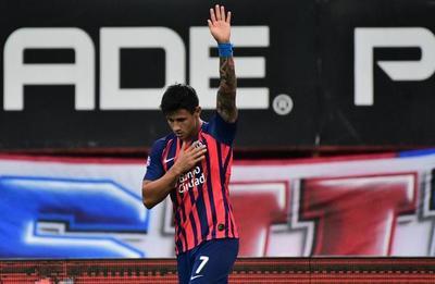 Doblete de Adam Bareiro y victoria de San Lorenzo