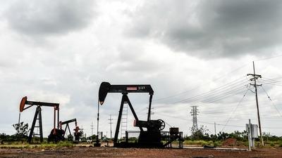 Se desplomó el precio del petróleo y arrastró a las principales bolsas del mundo