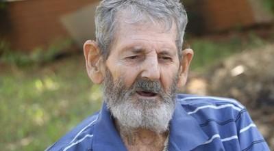 El hombre que vivió 40 años en el monte