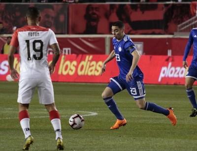 Paraguay debuta ante Perú con transmisión de Tigo Sports