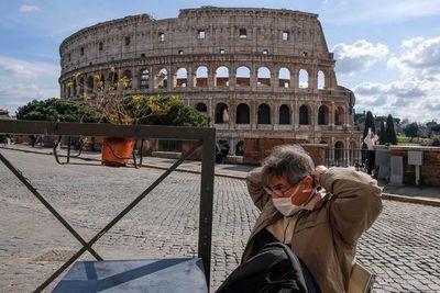 """Gobierno italiano ordena evitar """"desplazamientos"""" y concentraciones en Italia por coronavirus"""