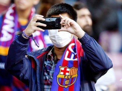 Barcelona-Napoli podría jugarse a puertas cerradas