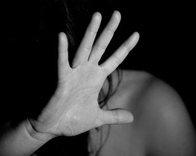Rescatan a una mujer que era sistemáticamente golpeada por su pareja