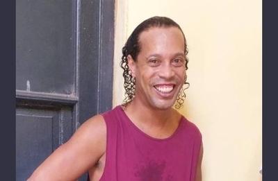 HOY / Caso Ronaldinho: caen más funcionarios, ¿y los peces gordos?