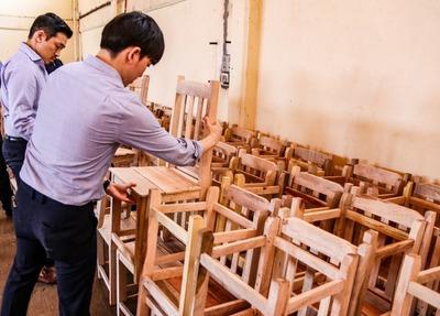 Shopping Paris dona kits escolares, sillas y mesas al Hogar Santa Teresa de CDE
