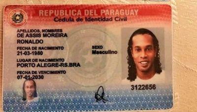 Caso Ronaldinho: Fiscales ordenan la detención de cuatro funcionarios