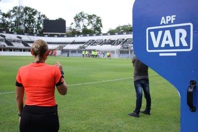 El VAR llega a un estadio del interior para un juego de Olimpia