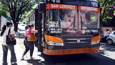 Los buses llevarán a los pasajeros sentados