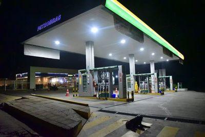 Suman cuatro las gasolineras que reducen precios por covid-19