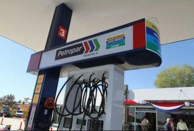Emblemas bajan los precios de sus combustibles