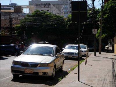 Comuna terceriza estacionamiento porque no puede controlar cobro
