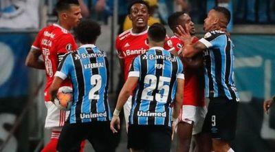 Gremio e Inter empatan un clásico con 8 expulsados