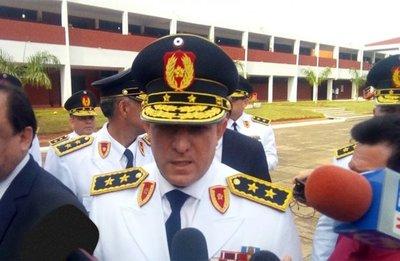 Comandante de la Policía Nacional sigue internado pero lúcido