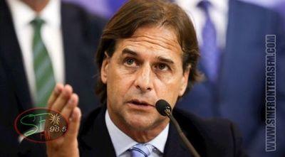 Uruguay anuncia cierre parcial de fronteras y cancela eventos por brote de COVID-19