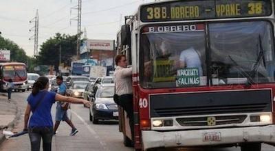 COVID-19: Habrá buses militares gratuitos para hacer frente a la demanda de pasajeros
