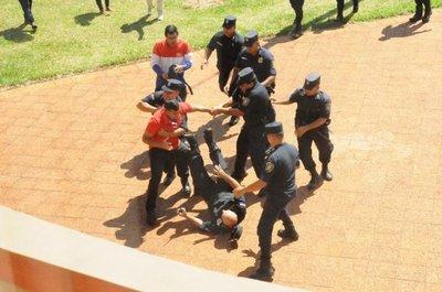 Coronavirus: Imputan a un hombre por portar armas e incumplir decreto presidencial tras manifestación en PJC