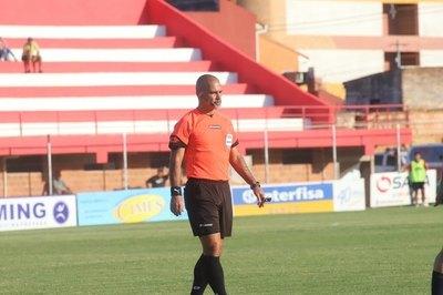 Éber Aquino reveló el método de entrenamiento de los árbitros