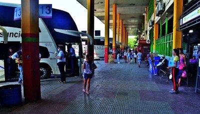 Terminal de Asunción recibe menos pasajeros y circulación baja un 40%