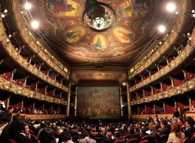 Covid-19 ataca el ocio de Buenos Aires y lo deja sin música, teatro ni museos