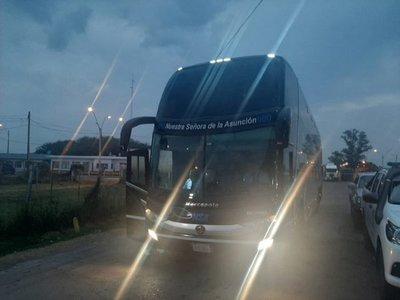 Falcón: Cinco argentinos enojados porque no se les dejó entrar