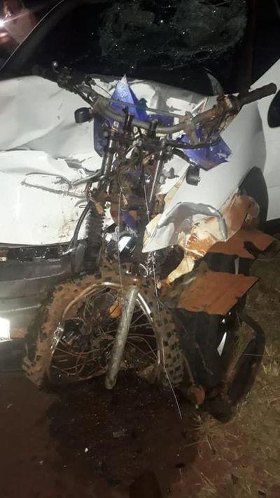 Motociclista muere en violento choque