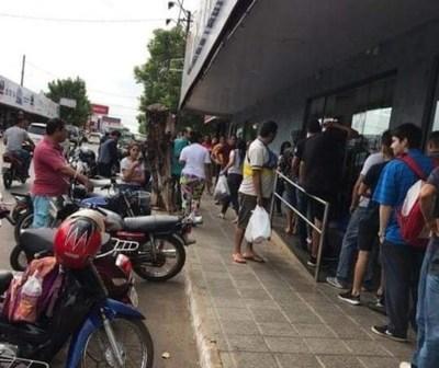 """San Ignacio; piden urgente intervención policial frente al supermercado """"Torito"""""""