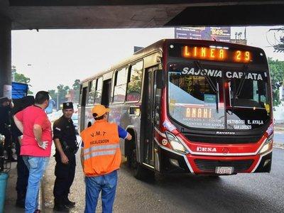 Admiten que solo el 70% de buses opera por medidas de contingencia