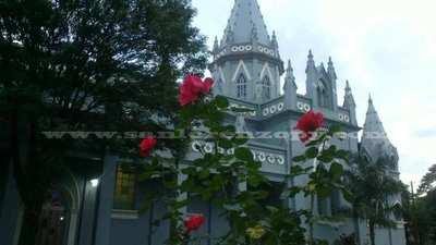 Obispado de San Lorenzo suspende atención al público