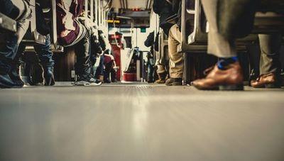 Pequeño susto: garantizan servicio de transporte público para los trabajadores