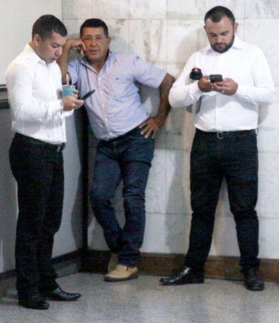 """Suspenden juicio a los """"caseros de oro"""" de Tomás Rivas por el covid-19"""
