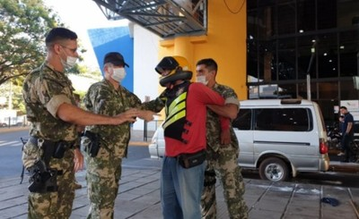 Mototaxistas demorados por negarse a control sanitario