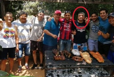 Excandidato a gobernador de Misiones el fin de semana farreó con sus amigos como si nada