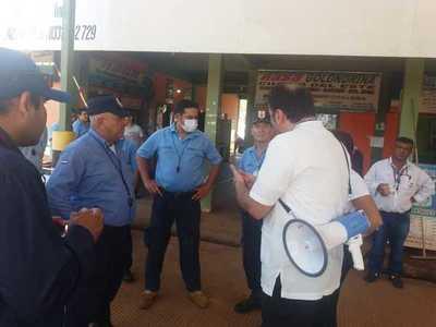 Coronavirus: realizan trabajos persuasivos en mercado y terminal de ómnibus