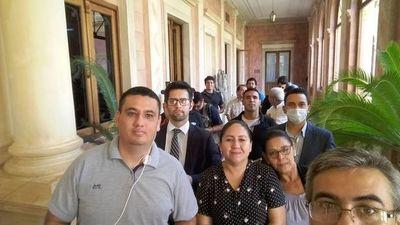Periodistas expuestos a contacto con Villamayor serán monitoreados