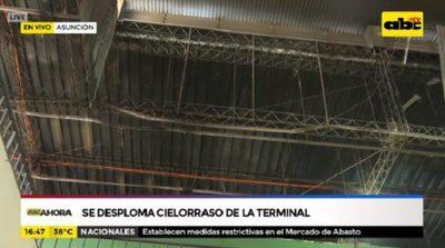 Cae parte del techo en la Terminal de Ómnibus