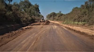 Realizan trabajos de alteo en terraplén de las zonas bajas de Teniente Montanía