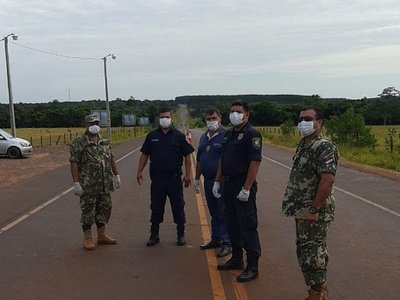 Comercios intervenidos, controles migratorios y ausencia policial en la frontera con Brasil