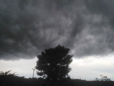Anuncian lluvias y tormentas para el final de la jornada