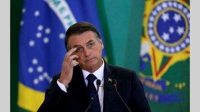 """Bolsonaro lamenta """"histeria"""" por COVID-19 pese a primera muerte en Brasil"""
