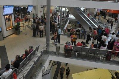 Controles en aeropuertos son los más estrictos, aseguran