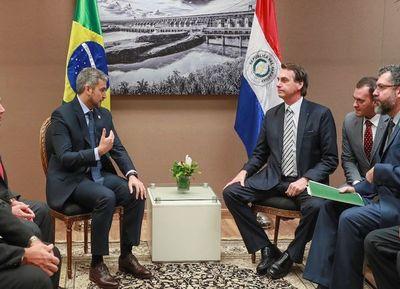 Bolsonaro habló con Abdo sobre frontera entre Pedro Juan y Ponta Porá
