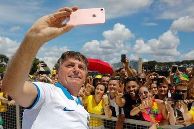 """Bolsonaro sobre Covid-19: """"Hay histeria, como si cerrar fronteras resolviese el problema"""""""