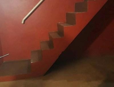 Policía muere dentro de un motel. Hay cuatro detenidos