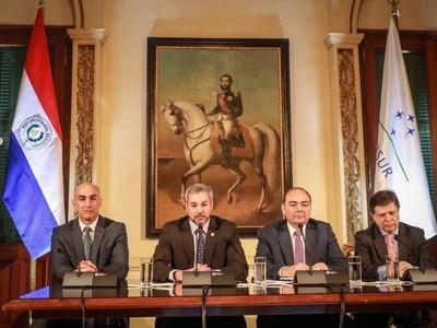 Covid-19: Jair Bolsonaro destacó que medidas asumidas por Paraguay son muy buenas, según canciller nacional